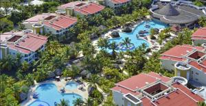 Son 12 hoteles en prímera línea frente a la playa.